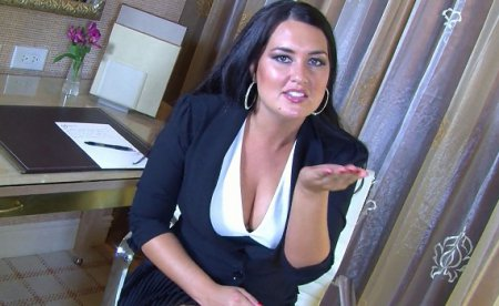 Your Boss Selena Commands You to Lick up Your Worship Puddle